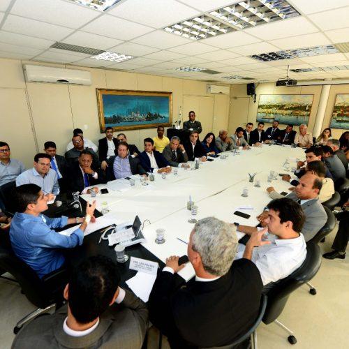ACM Neto reúne bancada para tratar de eleições e reforçar união do grupo