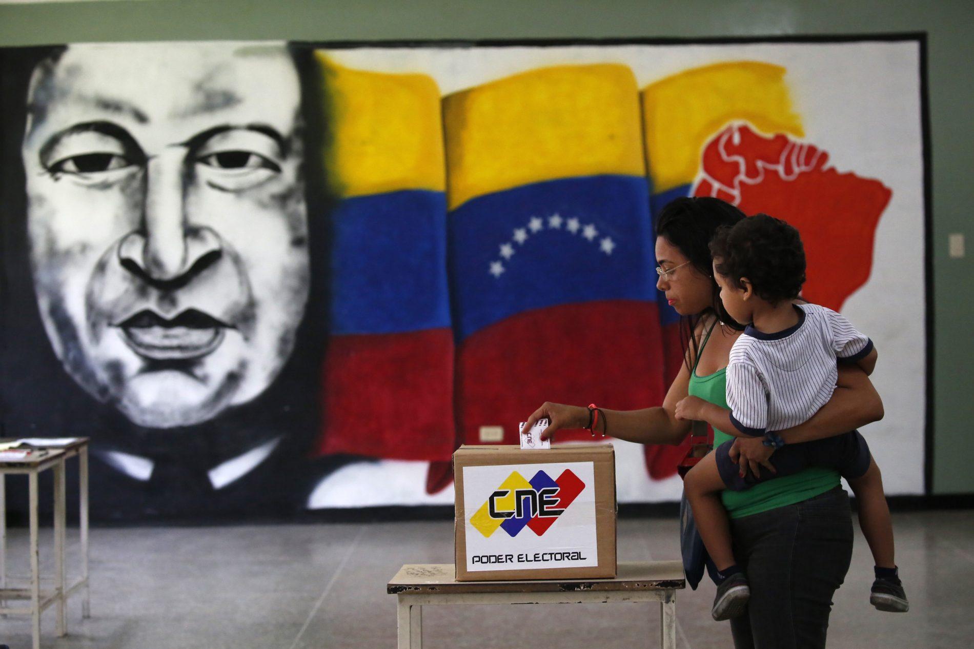 Opositores se aliam para novos protestos e por eleições justas na Venezuela
