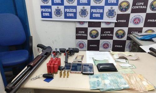 Itagibá: Além de armas, operação da polícia apreendeu mais de R$ 18 mil com ciganos