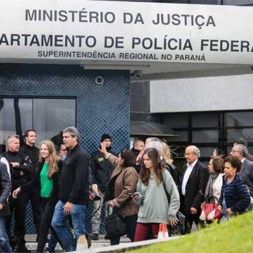 Comissão do Senado vai pedir que Lula receba mais visitas