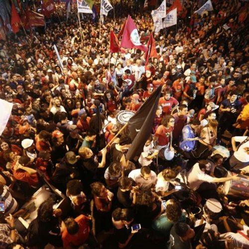 Defesa negocia para que Lula se apresente à PF no sábado