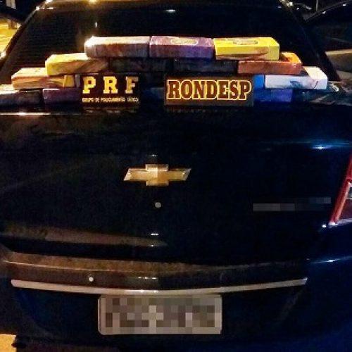 Vitória da Conquista: Homem é preso na BR-116 com 18 tabletes de cocaína escondido em porta malas