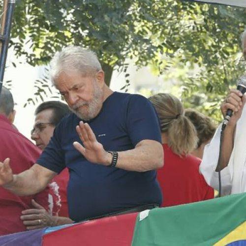 Lula pede desbloqueio de bens e afirma não ter como pagar advogados