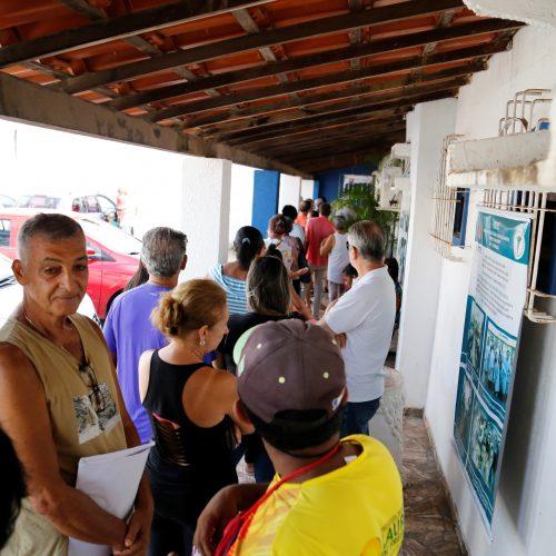 População de Lauro de Freitas lota postos de saúde para vacinação contra gripe