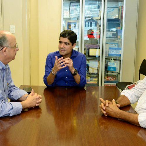 Prefeito de Barreiras anuncia apoio a Zé Ronaldo