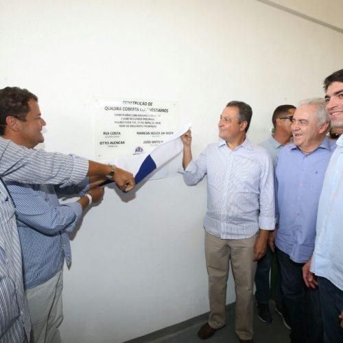 Rui entrega obras e anuncia investimentos em saúde e desenvolvimento urbano para Lajedinho