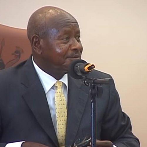 """Presidente quer proibir sexo oral na Uganda: """"Boca é para comer"""""""