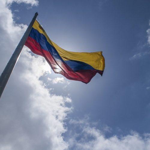 Brasil e 11 países pedem que Venezuela suspenda eleição presidencial