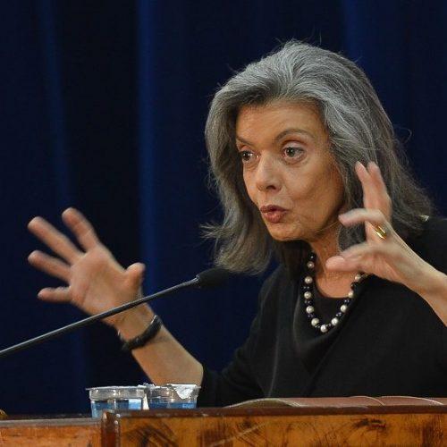 Cármen Lúcia fala sobre auxílio-moradia com associações de magistrados