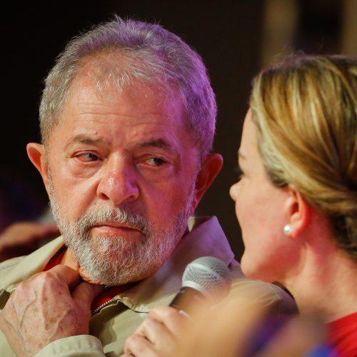 Em carta à Gleisi Hoffmann, Lula reafirma que é candidato