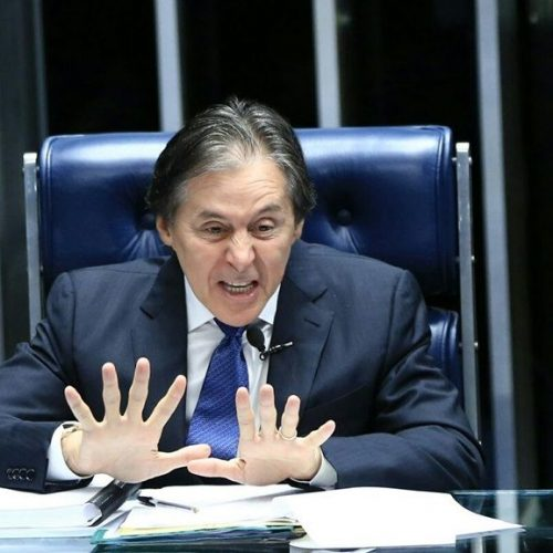 Eunício Oliveira defende que aplicativos de celular paguem impostos