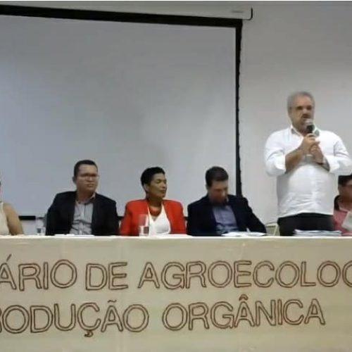 """'""""Pacote do Veneno' põe em risco a vida no Brasil"""", afirma Galo em seminário sobre Agroecologia"""