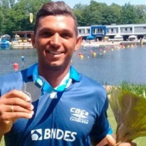 Isaquias Queiroz é prata em etapa da Copa do Mundo de canoagem