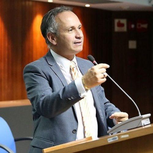 Presidente do INSS é demitido após irregularidades em contrato de R$ 8,8 milhões