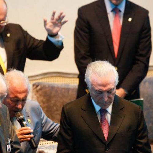 """Temer pede aos evangélicos: """"Orem por mim e pelo governo"""""""