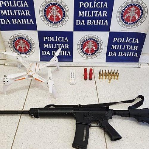 Porto Seguro: Trio é preso com fuzil e drone enquanto se preparava para atacar inimigos
