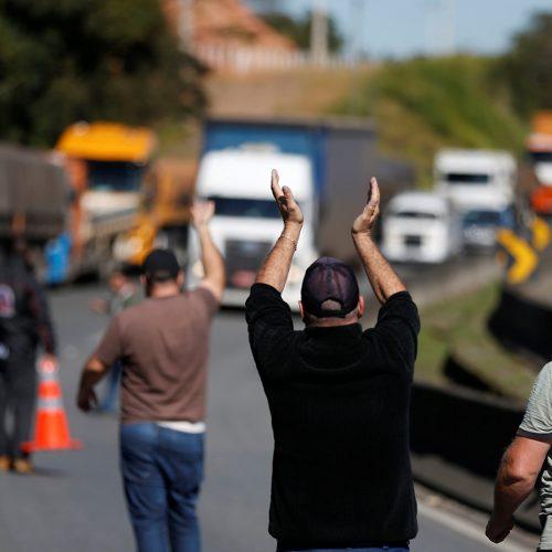Temer reúne ministros para discutir greve dos caminhoneiros