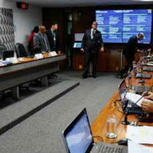 CCJ do Senado aprova projeto que criminaliza importunação sexual