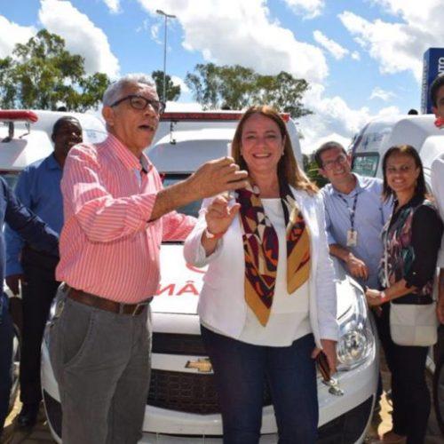 Cachoeira e Nazaré recebem ambulâncias da deputada Fabíola Mansur