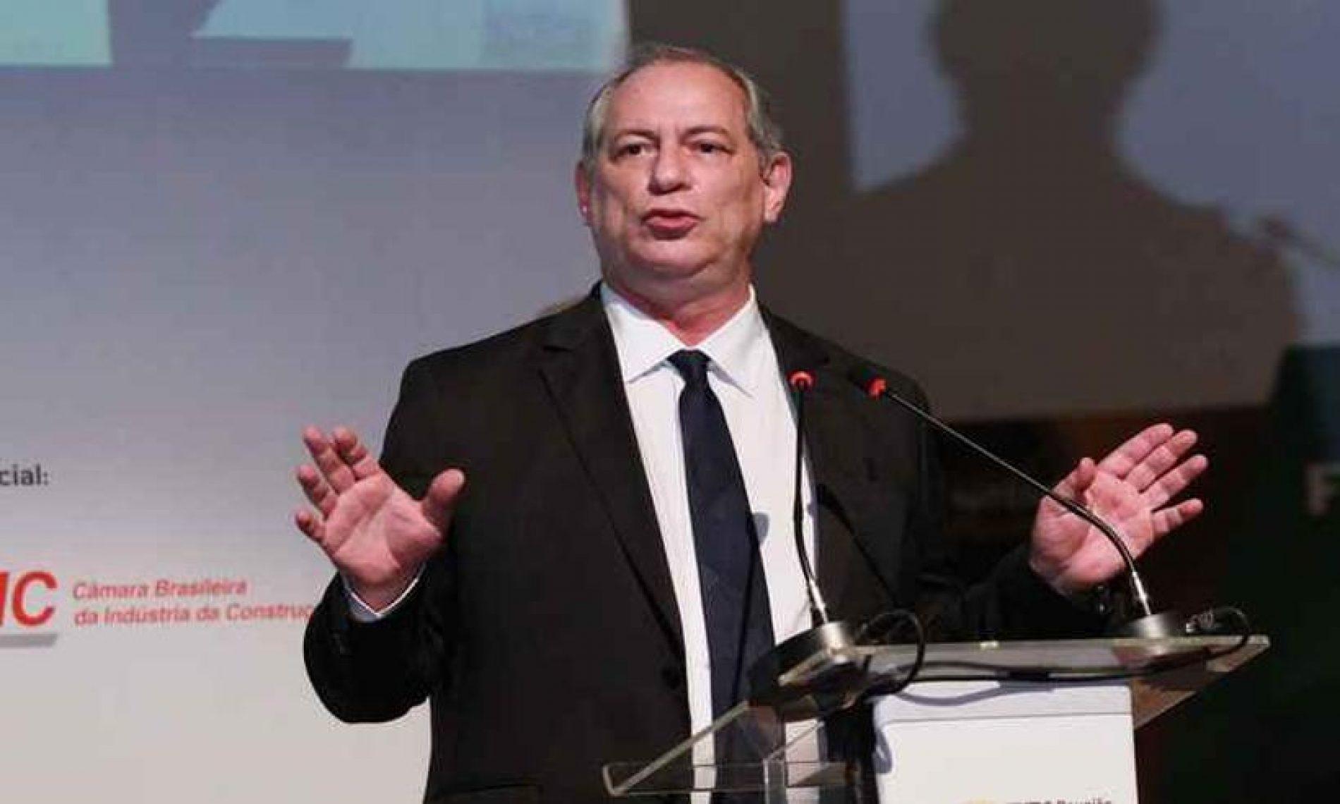 Ciro ataca PT e diz que partido fez 'chantagem' com PCdoB na escolha do vice