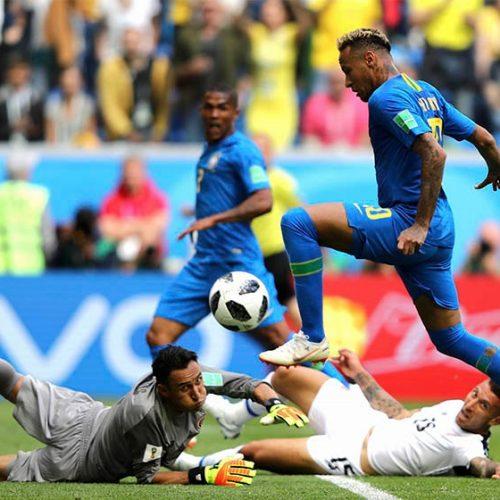 Com gols de Coutinho e Neymar, Brasil vence a Costa Rica: 2 x 0