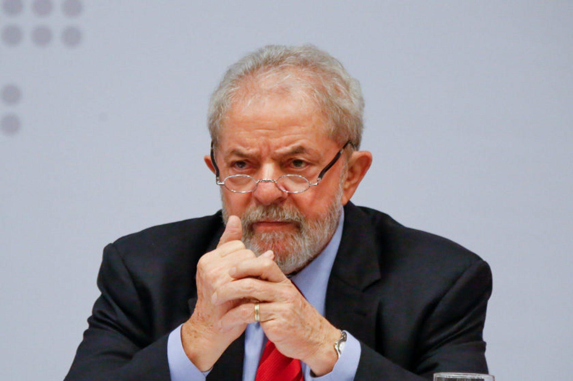 Dólar cai após STF negar julgamento do pedido de liberdade de Lula