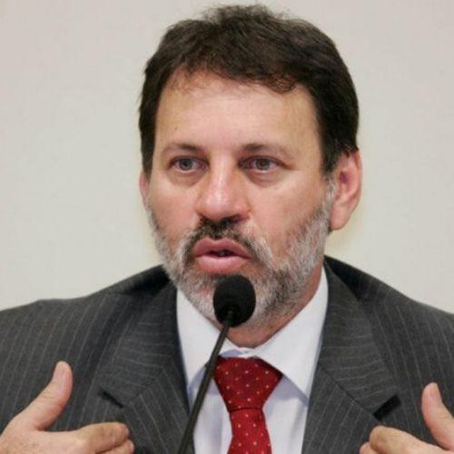 Juiz determina transferência de Delúbio Soares para Curitiba