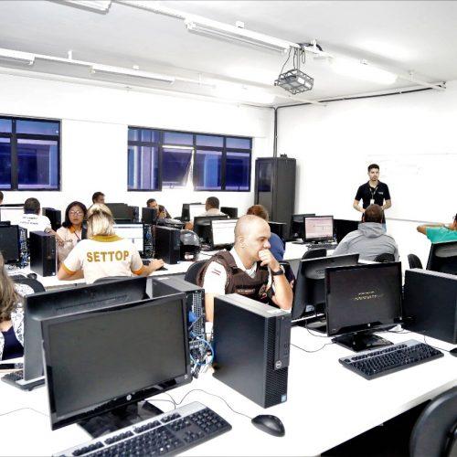 Lauro de Freitas capacita servidores para atuar no CIMU