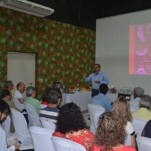 Lei do veneno ameaça saúde pública e meio ambiente no Brasil, alerta Galo