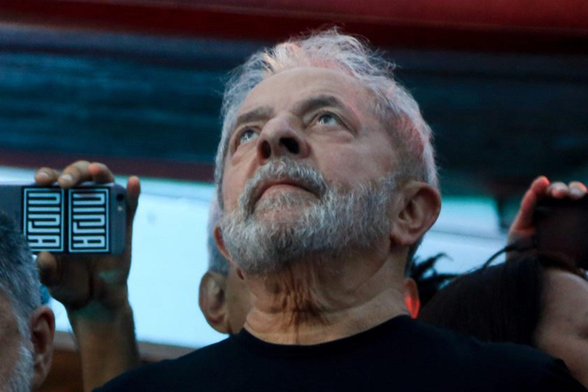 Ministro do STJ nega pedido de Lula para suspender execução da pena