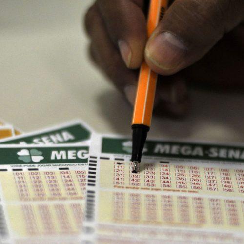 Mega-Sena acumula e pagará R$ 30 milhões; confira dezenas sorteadas