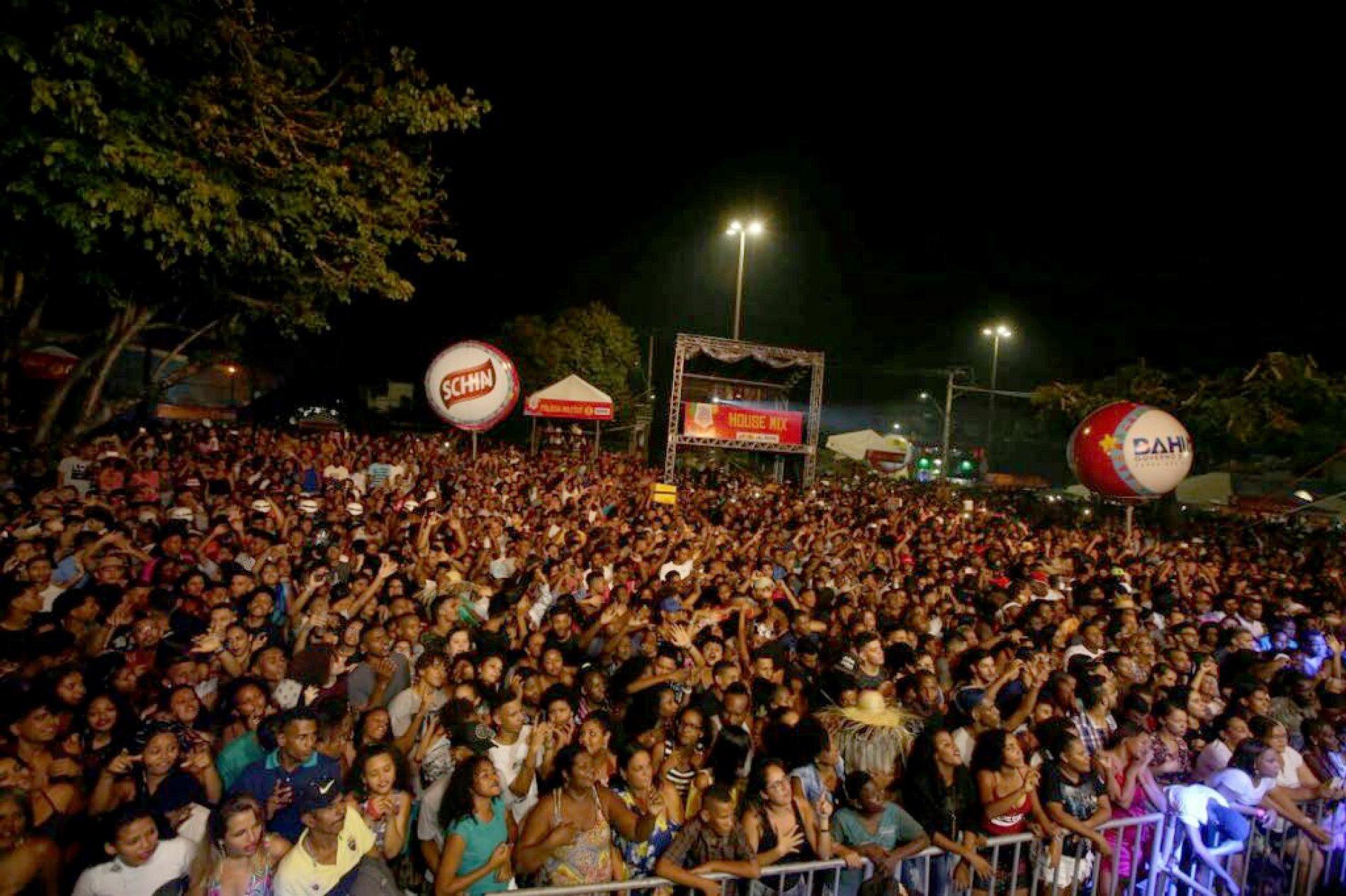 Primeiro dia do São João em Paripe atrai mais de 22 mil pessoas