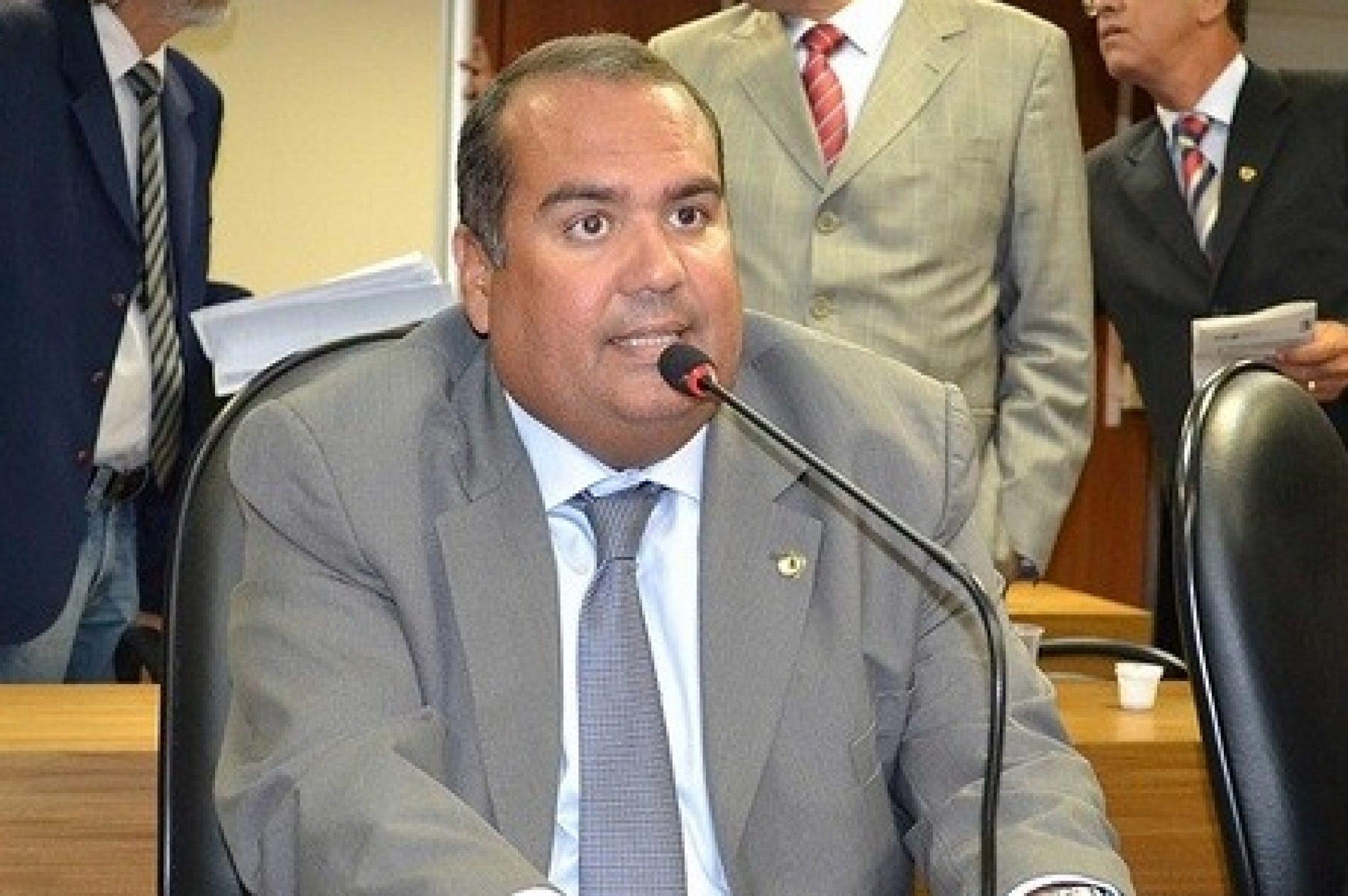 Sandro Régis pede isenção na cobrança das tarifas de esgoto às clínicas de hemodiálise