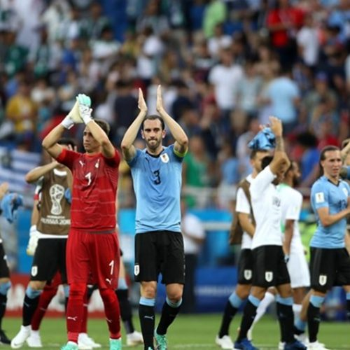 Uruguai vence a Arábia Saudita e define classificados do grupo A