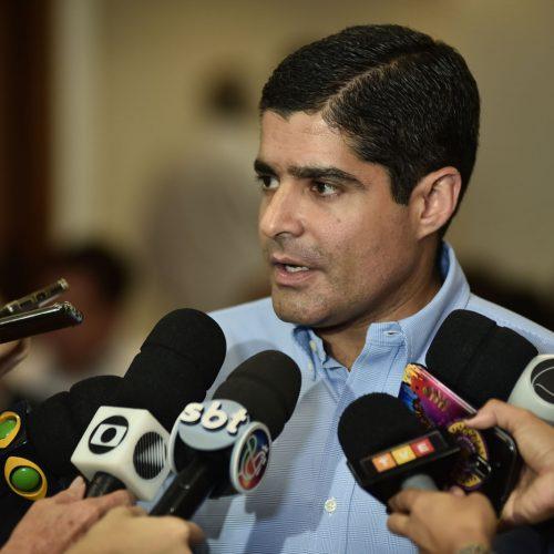 ACM Neto diz que críticas de Rui Costa à educação em Salvador parecem piada