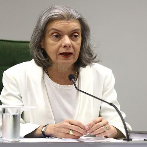 Cármen Lúcia deixará para colegas do STF decisão final sobre reajuste