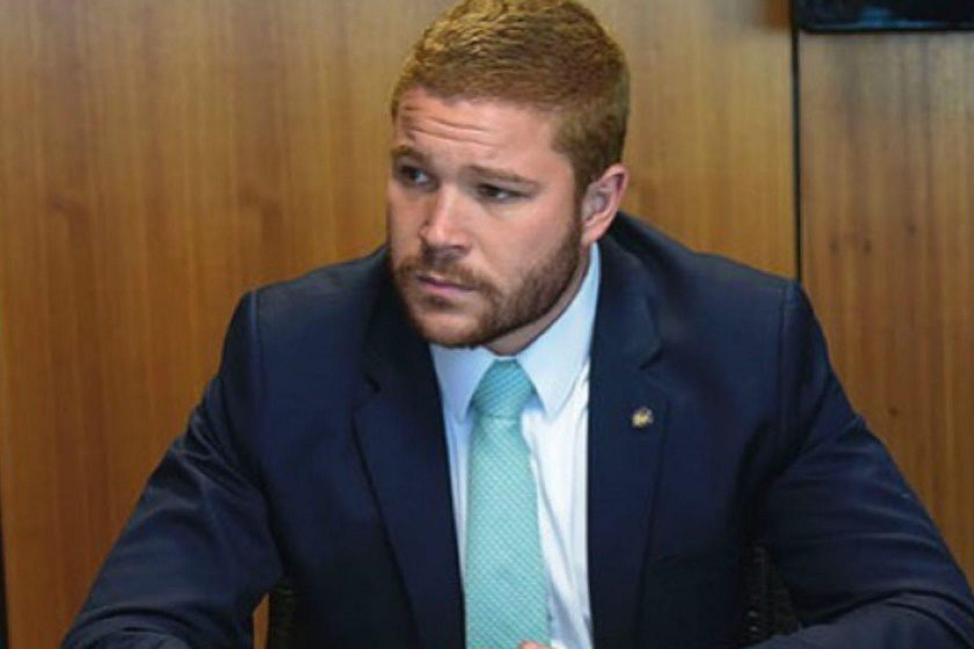 Chefe de gabinete do Ministério do Trabalho pede exoneração