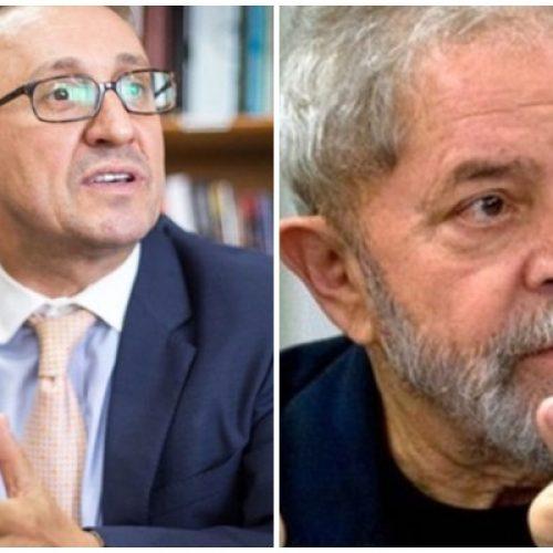 Desembargador plantonista deu prazo de uma hora para soltura de Lula
