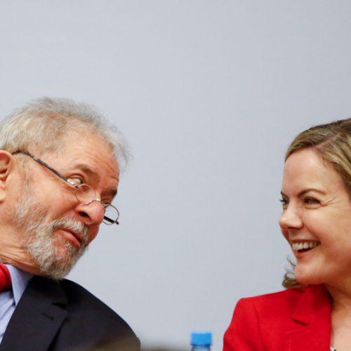 Em Cuba, Gleisi defende liberdade de Lula e candidatura à Presidência