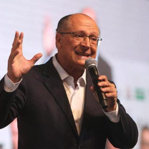 Alckmin levanta hipótese de ter vice fora do Centrão