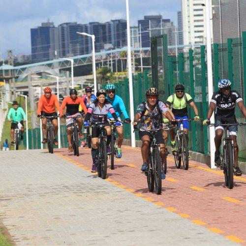Governo entrega nova ciclovia com 12 km de extensão na Paralela