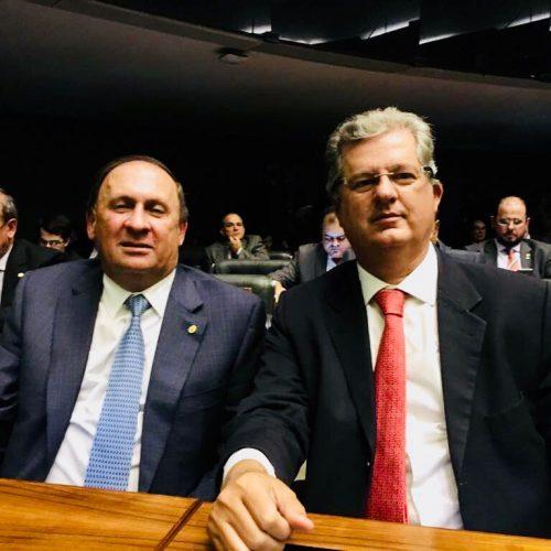 João Gualberto e Jutahy lideram ranking de políticos mais bem avaliados na Bahia