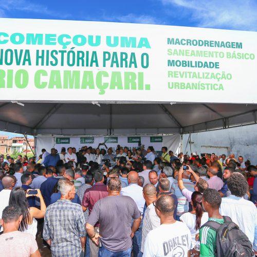 Camaçari: Elinaldo assina ordem de serviço para início de obras