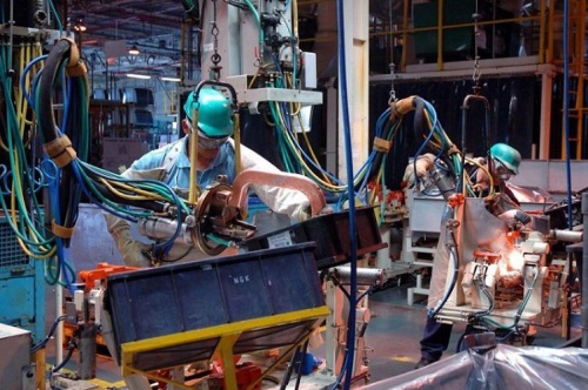 Produção industrial baiana registra recuo de 15%, terceiro maior do país