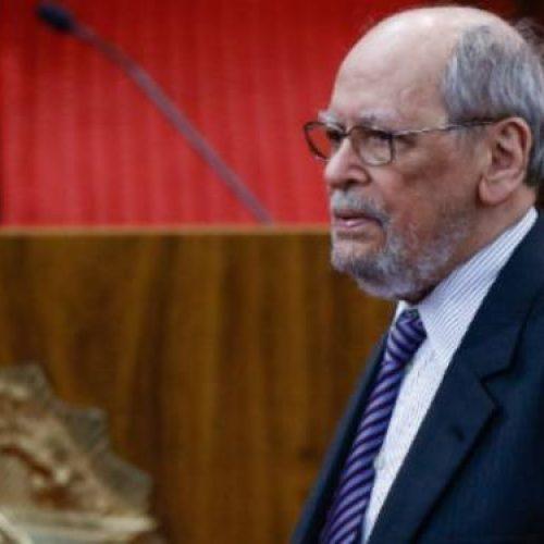 Sepúlveda Pertence pede para deixar defesa de Lula