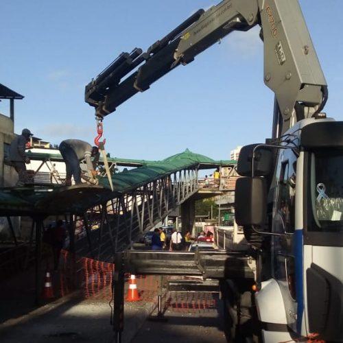 Substituição de abrigos de ônibus é iniciada na Avenida Bonocô