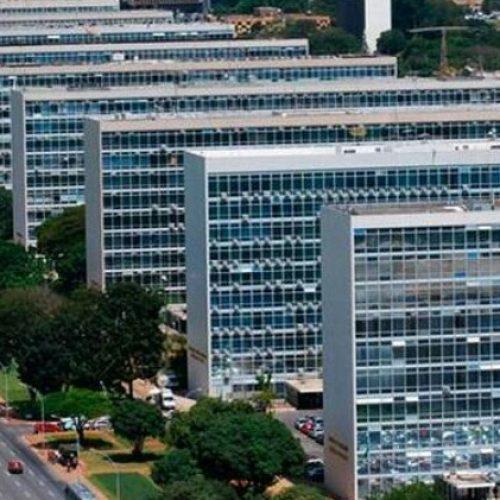 Ministérios deixaram de gastar R$ 12,7 bi de verbas autorizadas