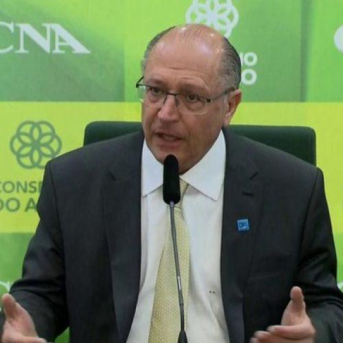 Alckmin diz que combaterá invasões de terra