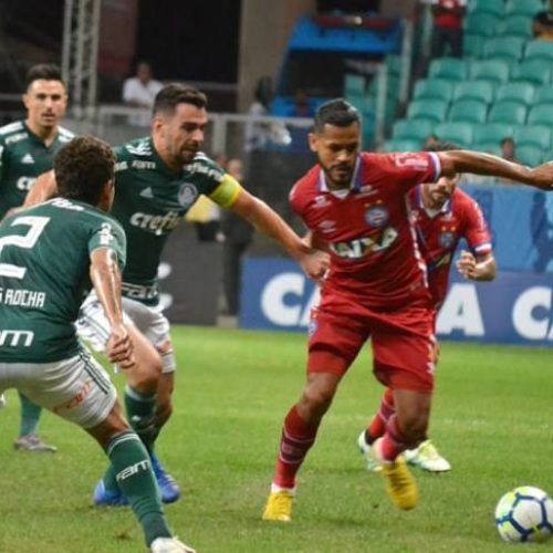 Em estreia nacional do VAR, Bahia e Palmeiras empatam