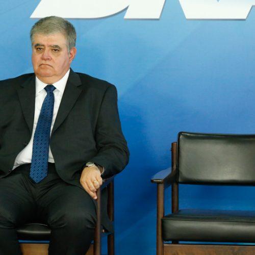 Governo deverá decidir novo líder no Senado nesta terça, diz Marun